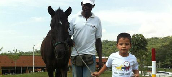 Juan Camilo Moreno's not-for-profit organisation is helping vulnerable children in Colombia through animal therapy.